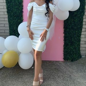 Oh Polly Size 4 white off shoulder midi dress
